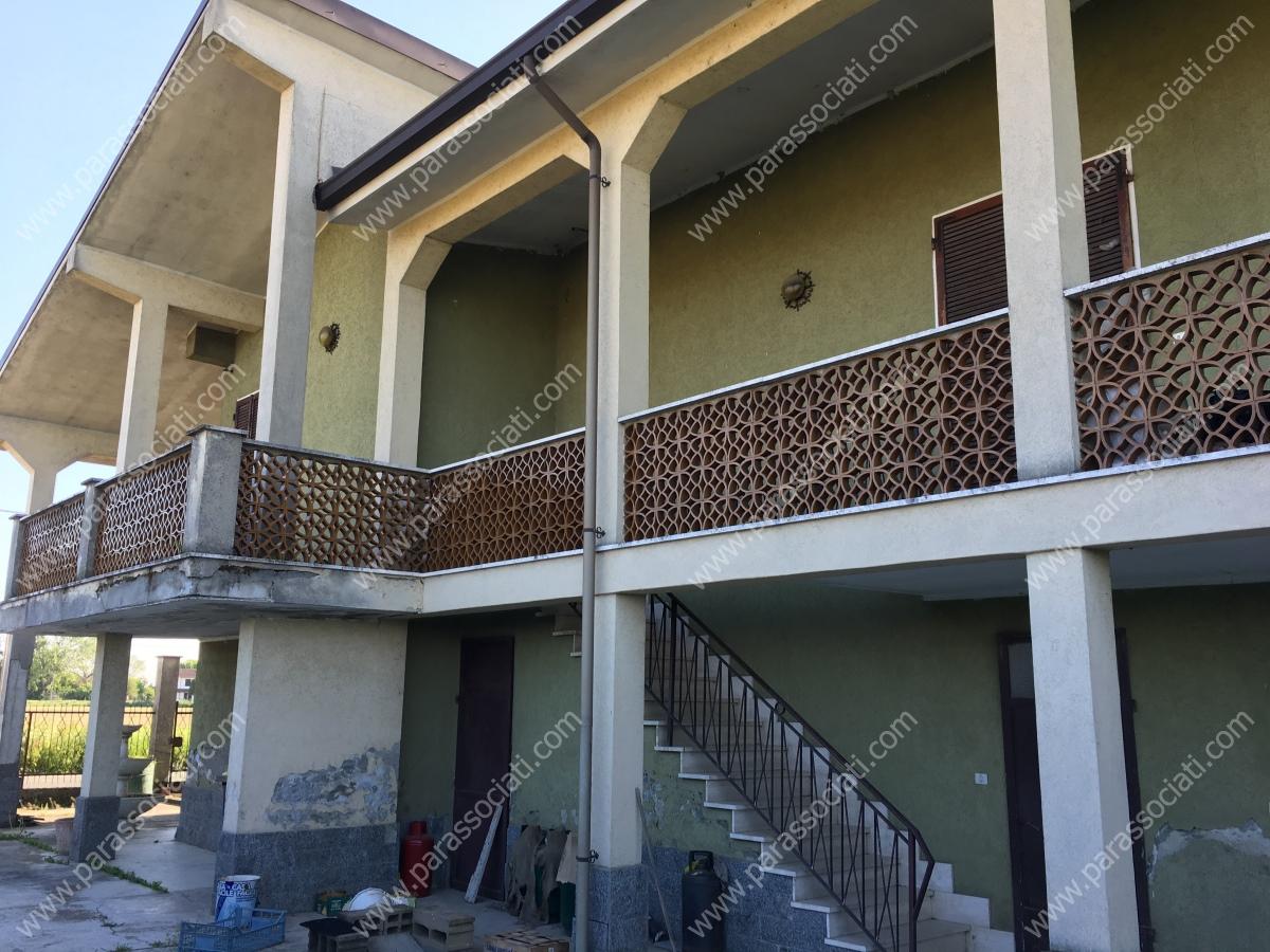 Rustico / Casale in vendita a Isola Sant'Antonio, 5 locali, prezzo € 130.000 | PortaleAgenzieImmobiliari.it