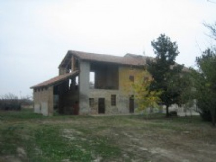 Rustic farmhouse near Casei Gerola
