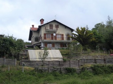 Independent house with land