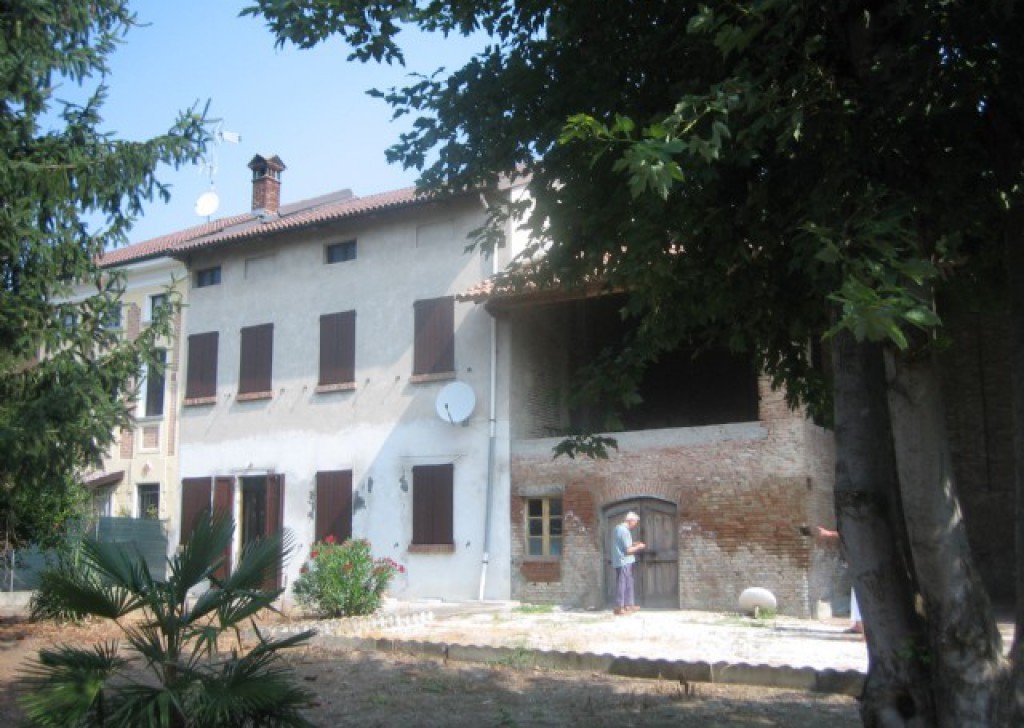 Sale Cottages and farmhouses Casei Gerola - cottage and farmhouse half hour an Milan Locality