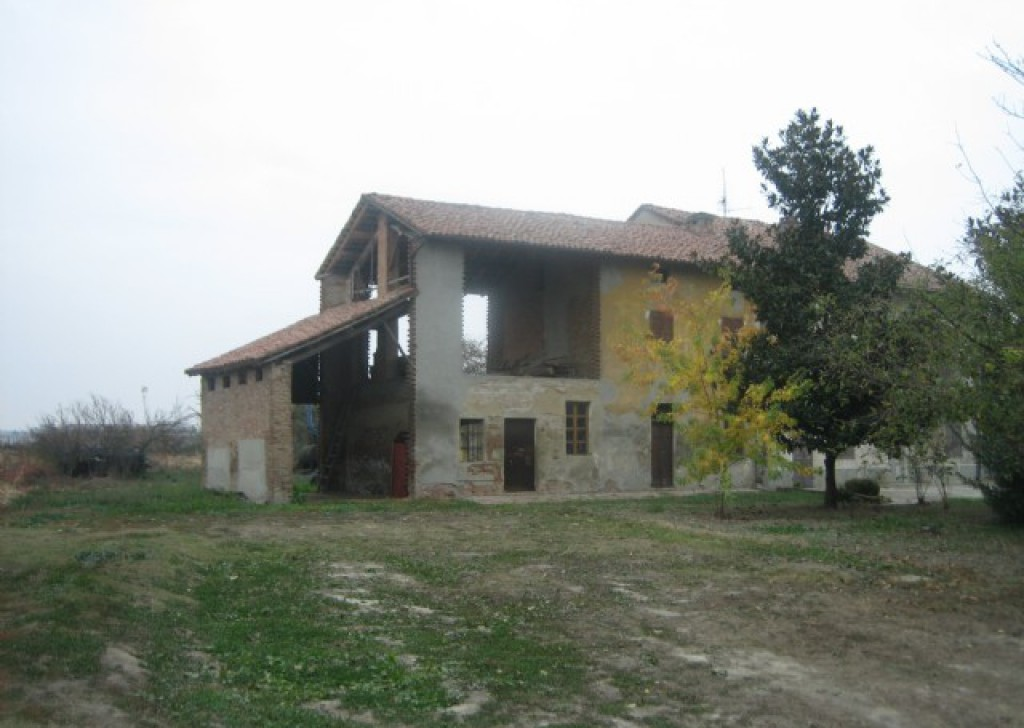 Sale Cottages and farmhouses Casei Gerola - Rustic farmhouse near Casei Gerola Locality