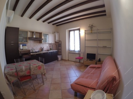 In the Porta Romana/Bocconi area, we offer to rent a large two-bedroom apartment in excellent condition
