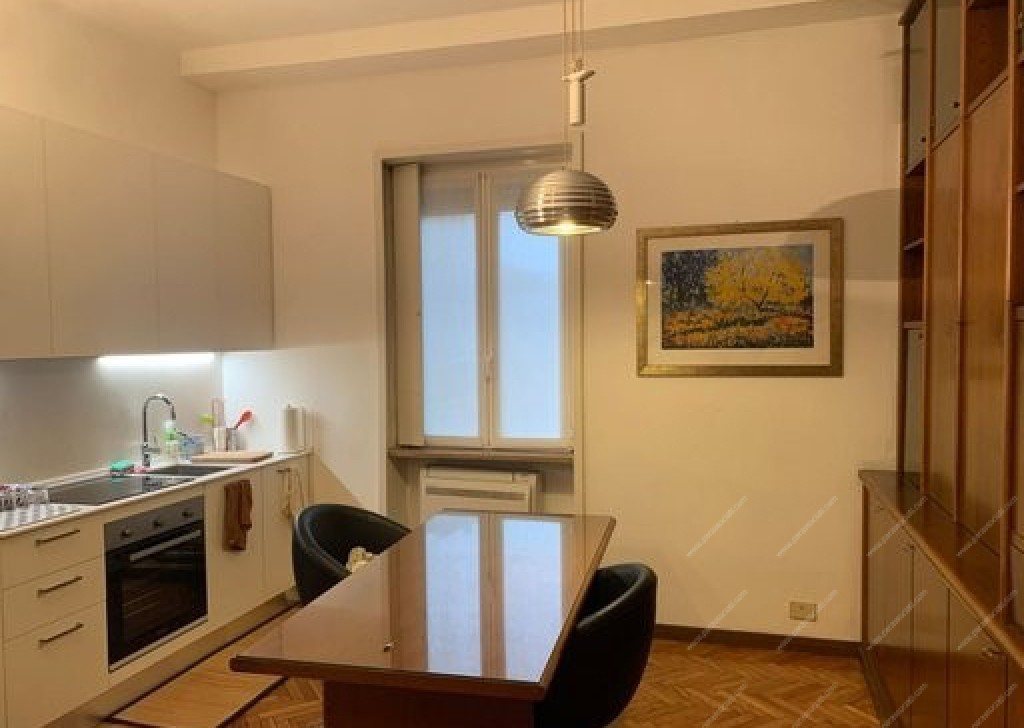 Rent Apartment Milan - Three-room apartment with open kitchen. Locality