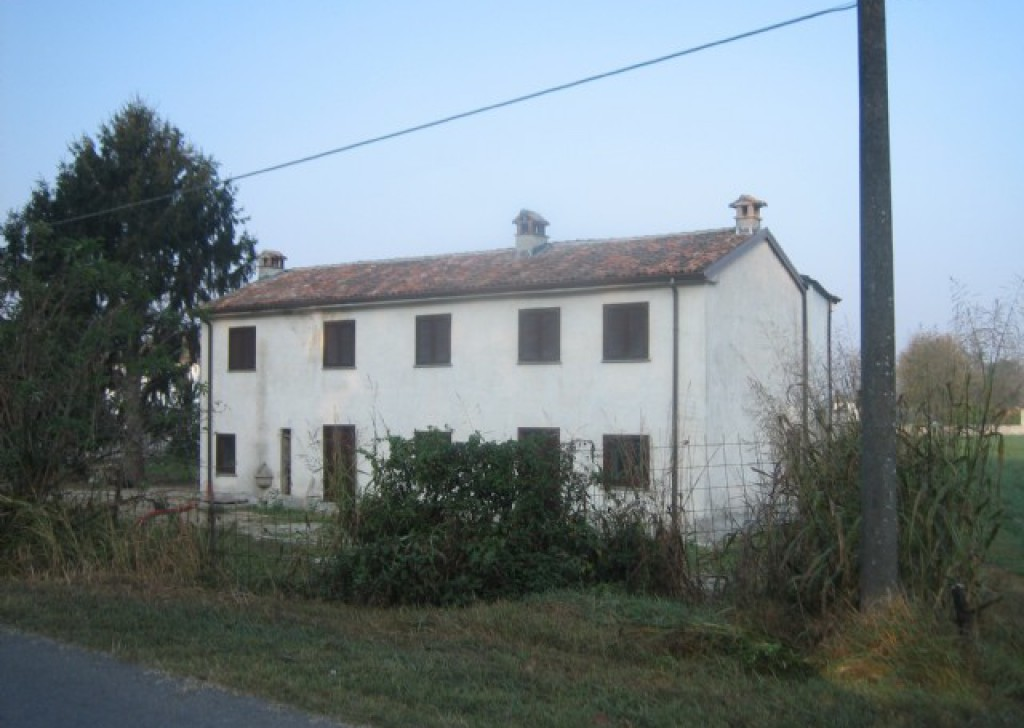Sale Cottages and farmhouses Casei Gerola - Detached house Locality